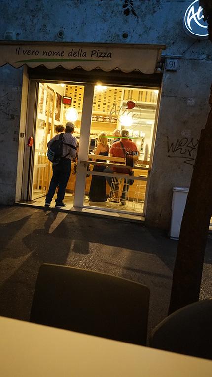 PIZZA BAR ROMA ITALY